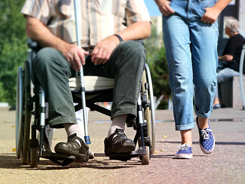 Osoba niepełnosprawna z opiekunem